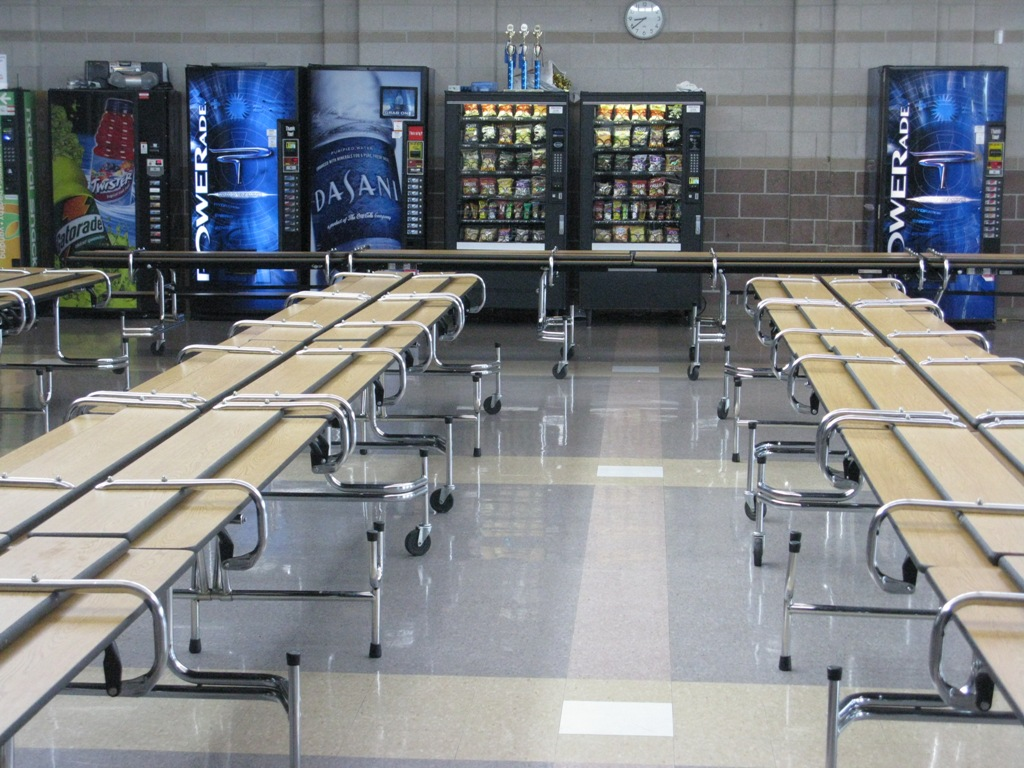 Amazing High School Cafeteria Lunch Table 1024 x 768 · 264 kB · jpeg